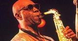 Manu Dibango refuse de jouer au Saint-Louis Jazz