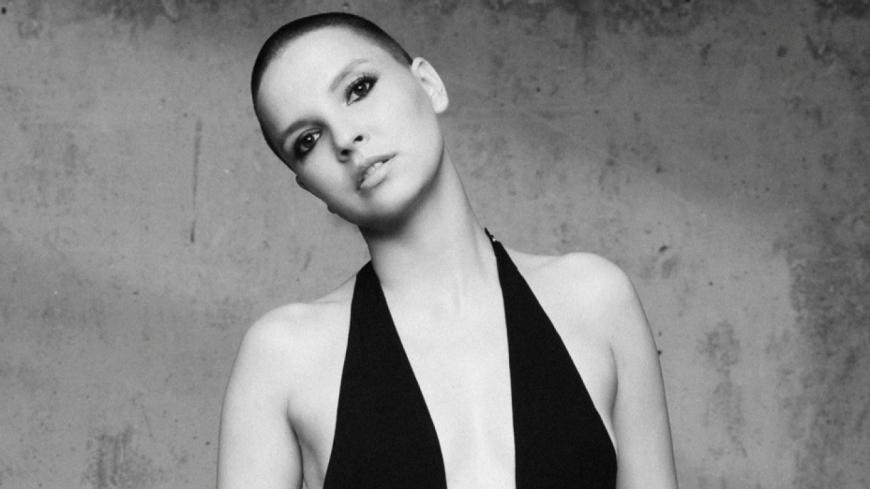 Anne Sila publie une nouvelle version de son album « Amazing Problem »