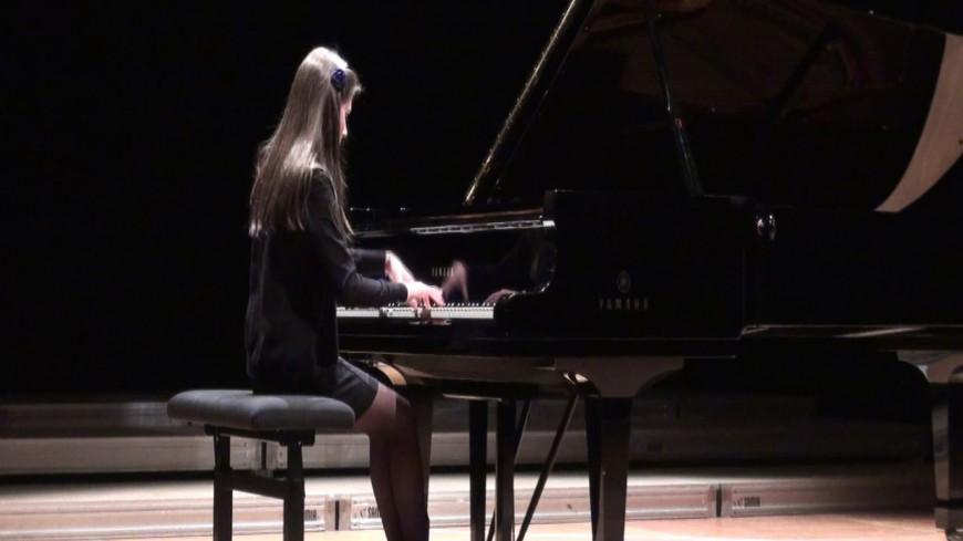 Le président Obama offre une bourse à Domitille Degalle, jeune pianiste de jazz!