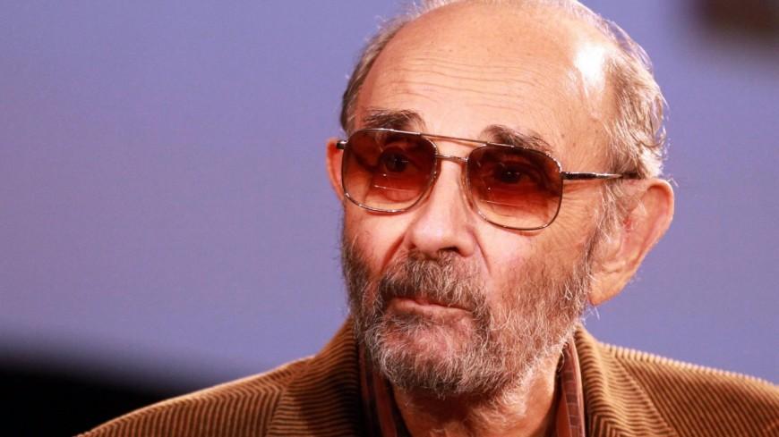 Le réalisateur Stanley Donen est décédé.