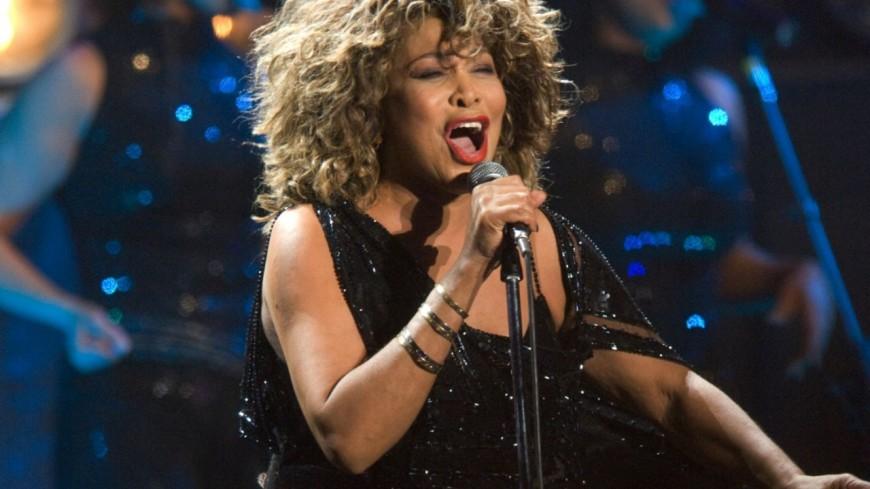 (VIDÉO) Tina Turner rassure ses fans sur son état de santé