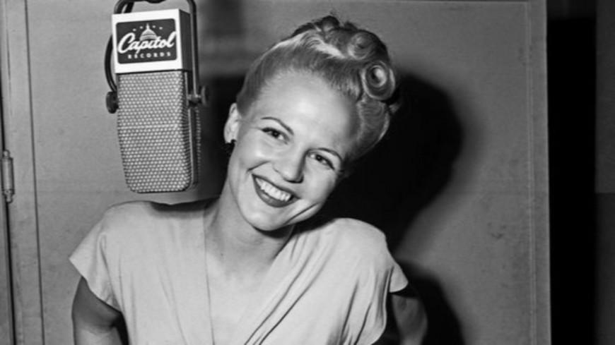 """Peggy Lee aurait fêté ses 100 ans ! Retour sur la carrière de l'interprète de """"It's a Good Day"""""""