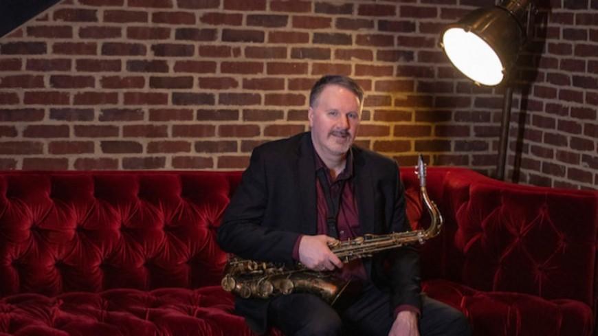 Découvrez le saxophoniste de talent Russ Nolan !