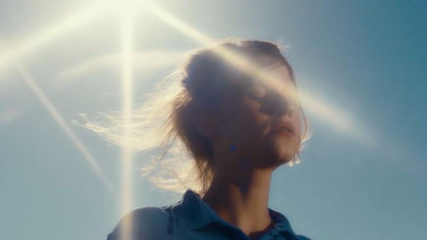 Selah Sue dévoile le clip tout en poésie de  « Always-Cosmo »