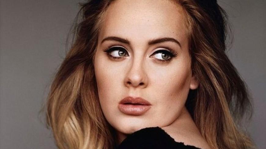 Redécouvrez 6 morceaux d'Adele en version acoustique !