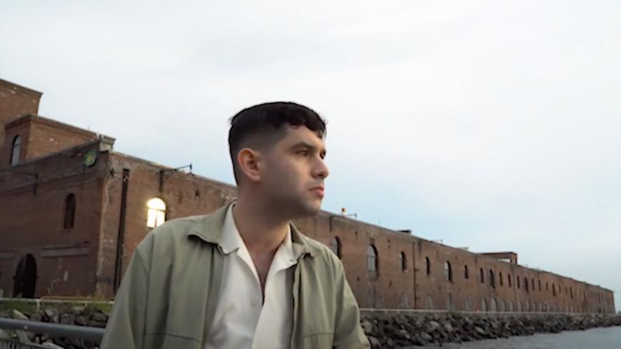 """Aaron Frazer : son tout nouveau morceau """"Bad News"""" est là ! (vidéo)"""