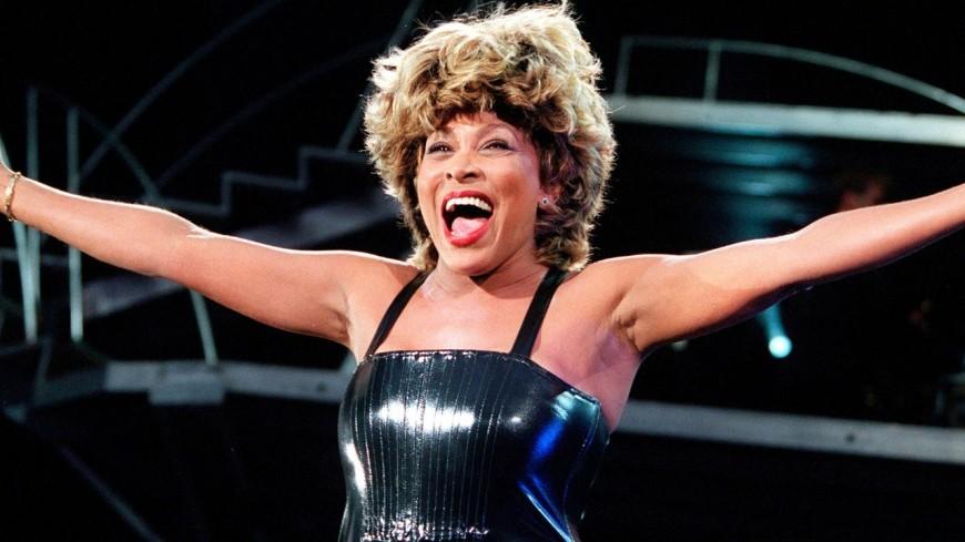 """Revivez la prestation de Tina Turner sur """"Proud Mary"""" à Wembley en 2000 ! (vidéo)"""