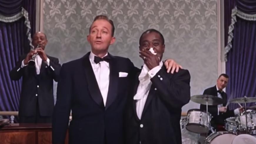 """Retour en 1956 - Bing Crosby et Louis Armstrong en duo sur """"Now You Have Jazz"""" (vidéo)"""