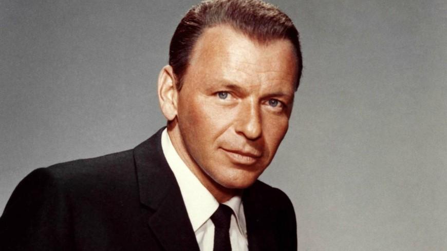 "Retour en 1965 - Frank Sinatra chante ""Fly Me To The Moon"" en live ! (vidéo)"