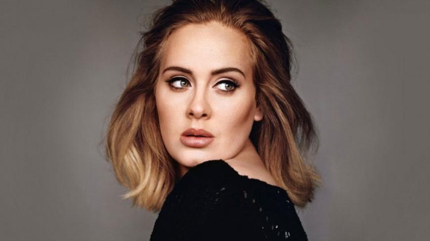 """Adele indétrônable : l'album """"25"""" dépasse les 20 millions d'exemplaires"""