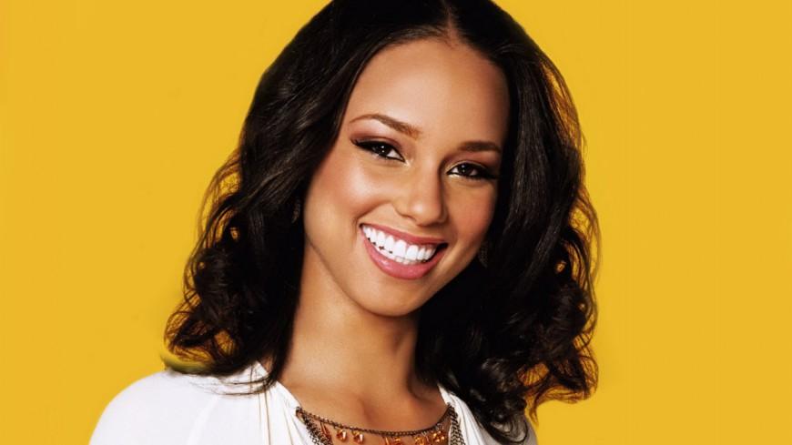 Il y a 15 ans,  Alicia Keys sortait Fallin'