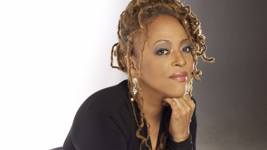 Cassandra Wilson, la voix soul incontournable: retour sur son hommage à Billie Holiday!