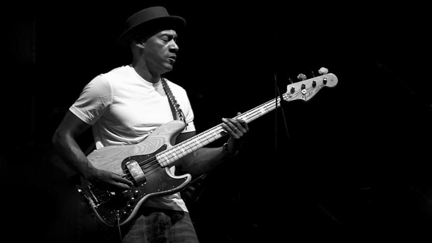 Un bassiste de légende en concert à l'Olympia !