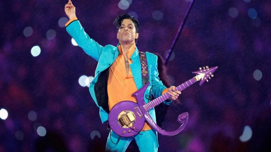 Prince : revivez sa prestation au Super Bowl.
