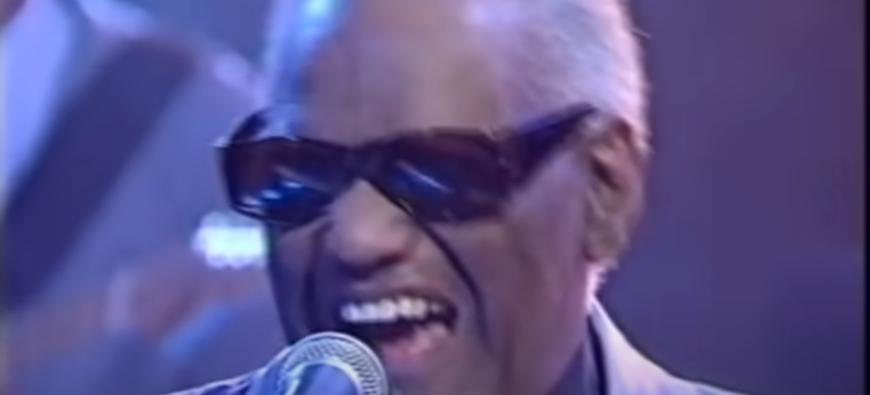 "Retour en 1996 - Ray Charles chante ""Hit The Road Jack"" en live ! (vidéo)"