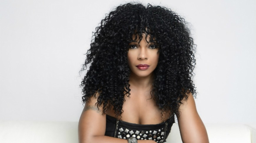 Syleena Johnson - Is it because I'm black