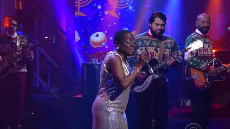 Sharon Jones & The Dap Kings en live chez Stephen Colbert !