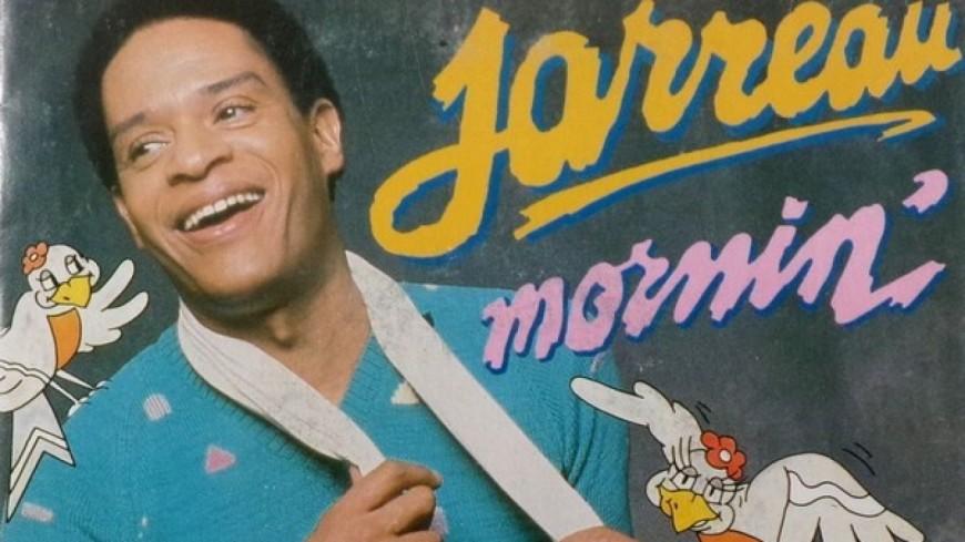 Reveillez-vous dans la bonne humeur avec Mornin' le clip rayonnant d'Al Jarreau.