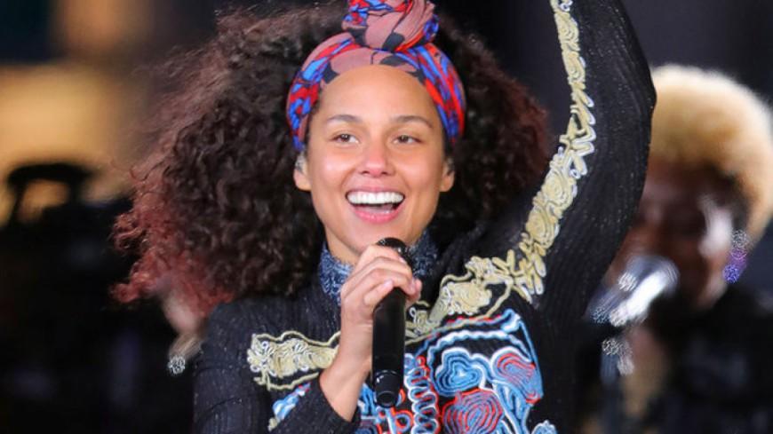 Alicia Keys en concert surprise au milieu de Times Square !