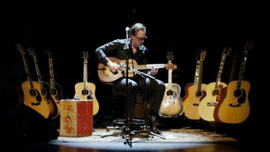 "Blues : Joe Bonamassa nous joue ""Trouble Town"" live !"